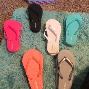 Girls Old Navy Flip Flops Size 12/13